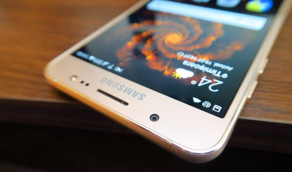 Cum au evoluat displayurile de Samsung?