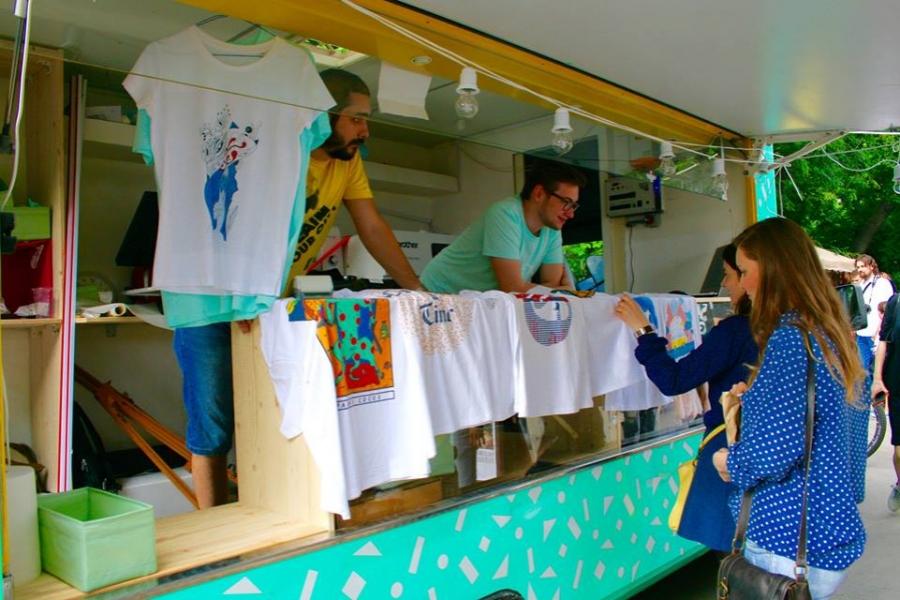 De ce ar trebui sa iti deschizi o firma de imprimare tricouri?
