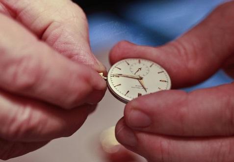 Cum se face intretinerea ceasurilor?