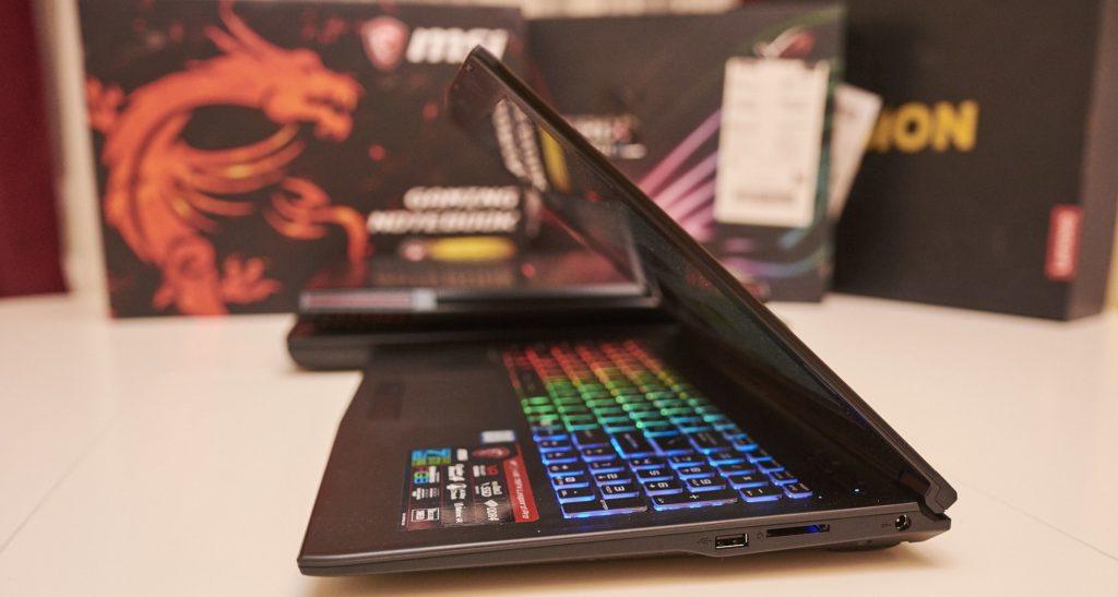 De ce nu se mai prea cumpara laptopurile noi?