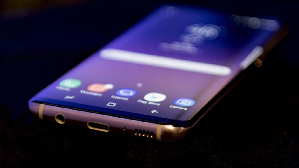 De ce se descarca rapid Samsung Galaxy S8?