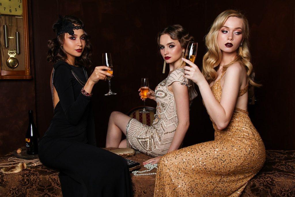Cum alegi corect culoarea rochiei de seara